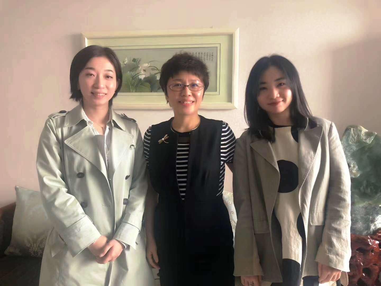 凯鸿沈阳网站制作公司与禾丰牧业领导亲切合影